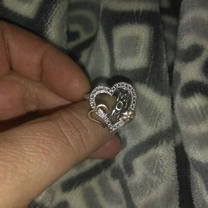 Nice mom Ring. Size 7. Sterling Silver.